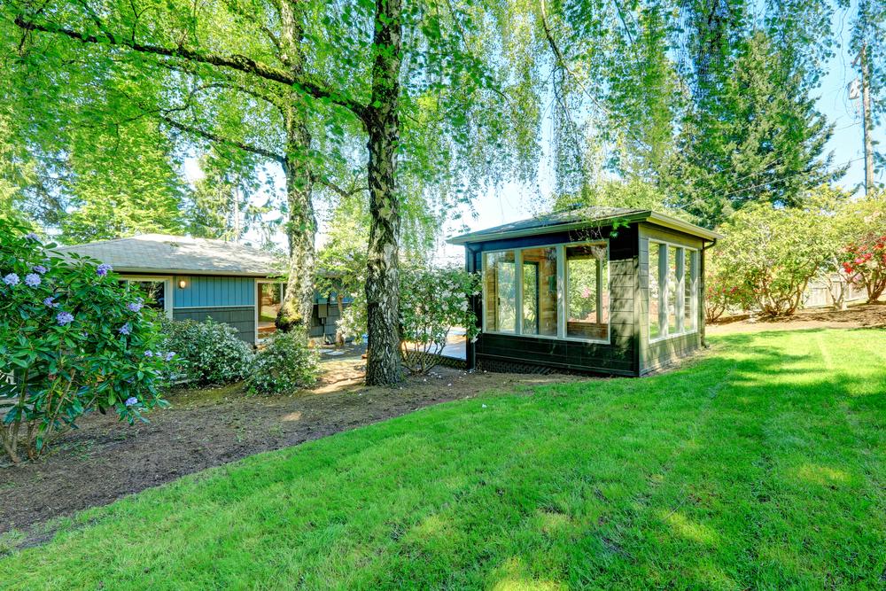 New conservatories orangeries huddersfield leeds for Green garden rooms